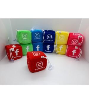 Мягкий кубик соцсети на присоске