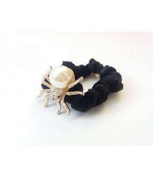 Резинка велюровая паук с жемчугом